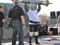 strongman-201200140